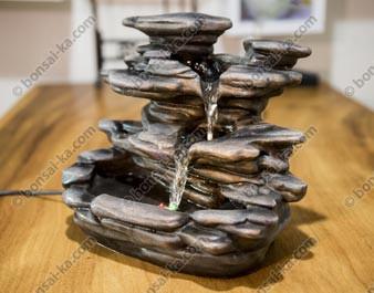 Fontaine d'intérieur Akahiko résine 30x25x19cm